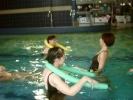 Razem aktywizowali się na pływalni